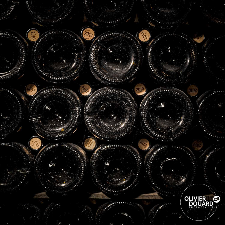 Bouteilles de champagne en cave